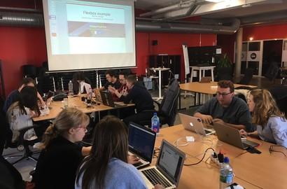 Actu EFJ - En mode #STARTUP - Initiation au développement web