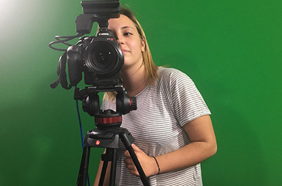 Actu EFJ - Léa, en stage de Journaliste reporter d'images (JRI) pour BFM TV