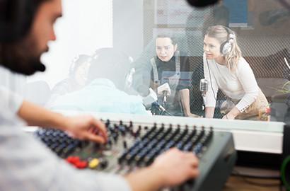 Actu EFJ - Les étudiants de l'EFJ à l'antenne sur NRJ