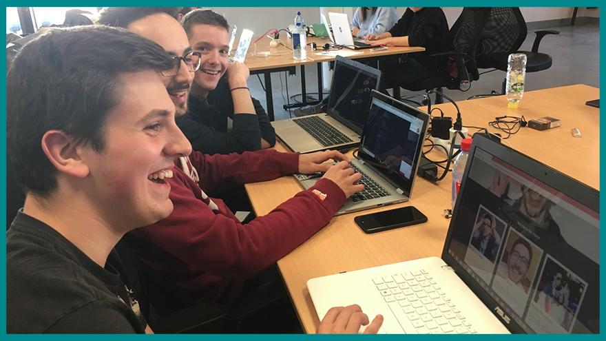 Initiation au code des étudiants EFJ dans l'école Wagon - Formation journalisme EFJ