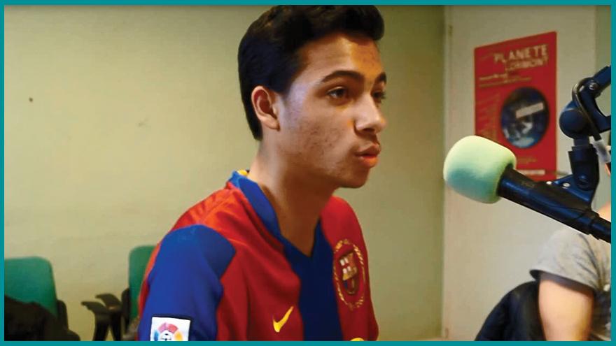 Des étudiants journalistes de l'EFJ animent une émission foot