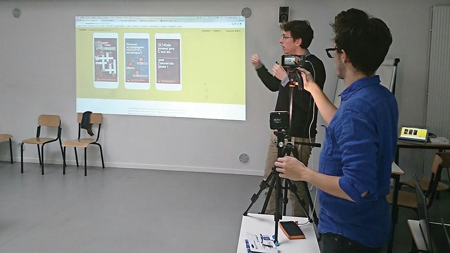 l'EFJ école de journalisme accueille Le Monde à faire un Live Facebook